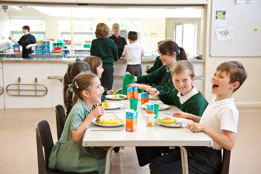 Restaurant style lunchtimes help improve readiness to learn.